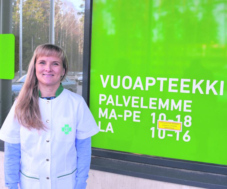 Kuvassa on apteekkari Minna Pappila.