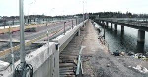 Vuosaaren silta on remontissa.