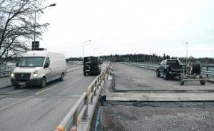 Vuosaaren siltaa remontoidaan.