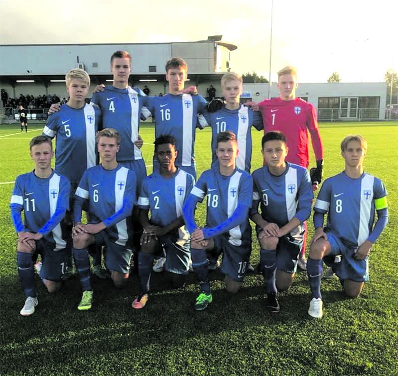 U16-maajoukkueen ryhmäkuva.