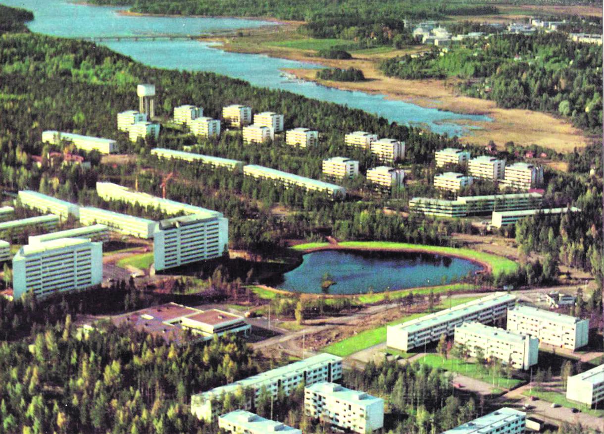 Postikortissa ilmakuva Vuosaaresta 1960-luvulta.