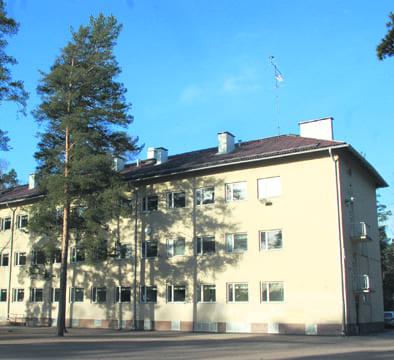 Heteniityntien koulurakennus.