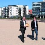 Pormestari tilasi dronella lohisalaatin Aurinkolahden rannalle