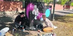 Graffiteja Leikosaarentiellä.