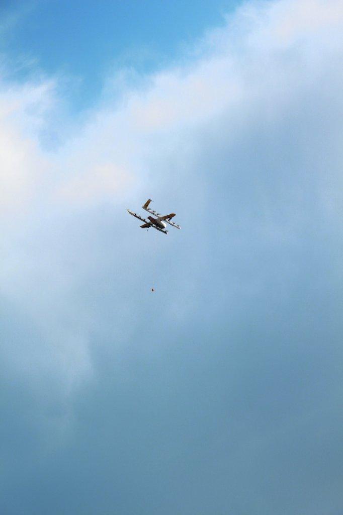 Epävakaasta säästä huolimatta dronet saatiin lopulta ilmaan.