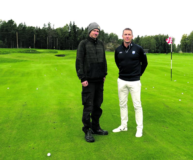 Kuvassa vasemmalla kenttämestari Aleksi Kahri ja oikealla kentän toimitusjohtaja Harri Mankki.