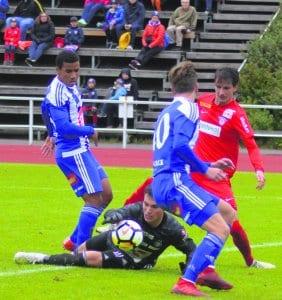 Klubi 04 voitti paikallisottelun viime hetken maalilla niukasti 1–2.