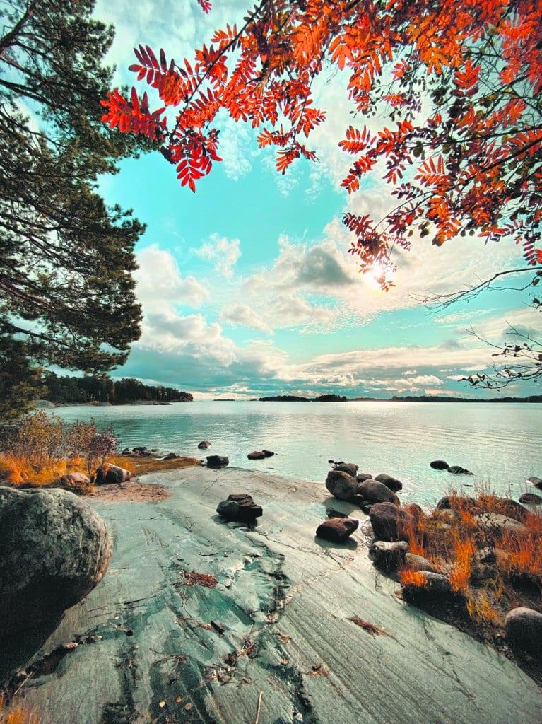 6.10. syksyinen Uutela helli kulkijaa huikeilla maisemillaan. Kuva: Suvi Lindvall