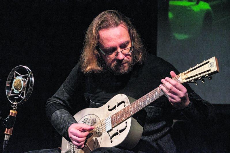 Andres Roots soittamassa Memorial Hallissa. Kuva: Alistair Mulhearn