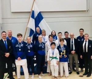 Helsingin Shukokain joukkue Kotkan SM-kisoissa.