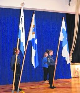 Vesipääskyt lippuvartiossa.