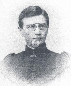 Vuosaaren ensimmäinen opettaja Hilma Lassenius toimi opettajana Rantakiventiellä sijainneessa ruotsinkielisessä kansakoulussa. Ensimmäinen koulu paloi 18.3.1901 ja nopeasti rakennettu uusi koulu aloitti samalla paikalla jo 4.10.1901.