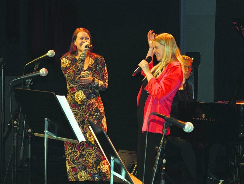 Charlotte Kerbs ja Anna Vysotska jammailevat.