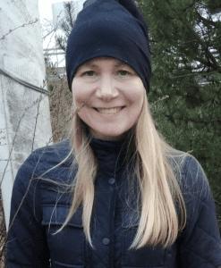 Myyntipäällikkö Sini Himanen, 43, on asunut perheineen Rastilassa lähes kahdeksan vuotta.