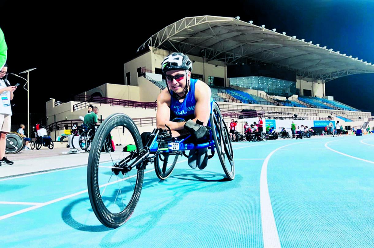 Toni Piispanen kilpailua edeltävässä harjoituksessa Dubaissa 2019 ennen MM-kultaa.