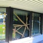 Merirasti-kappelin ikkunoita rikottiin
