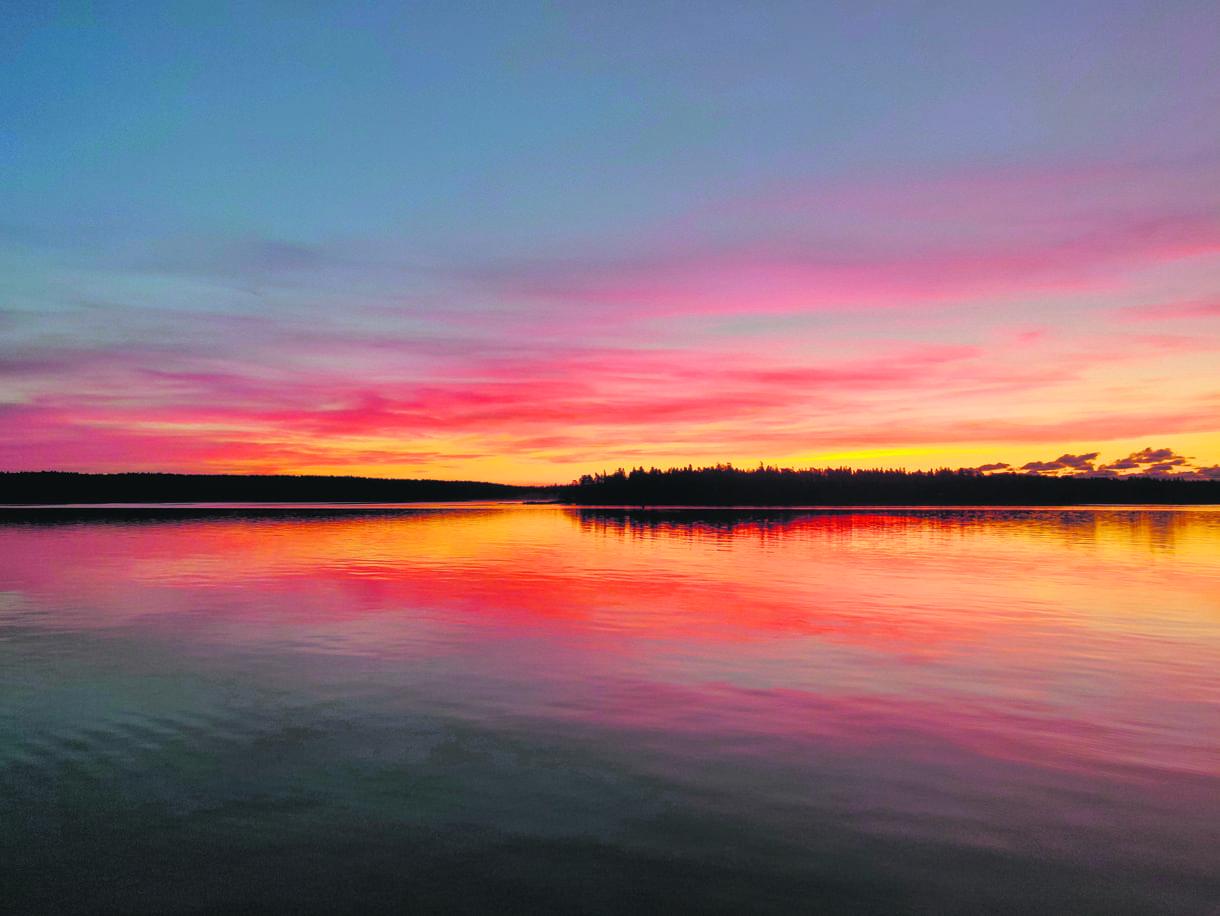 Lokakuinen auringonnousu Vuosaaren satamasta kuvattuna. Kuva: Jarno Alkio