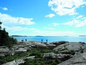 Kallioita Hattusaaren eteläkärjessä. Kuva: Sofia Kangas