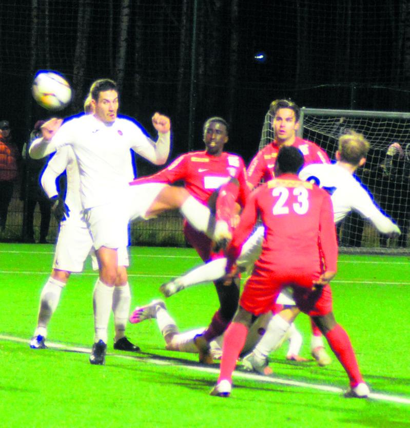 PKKU sai ottelun alkupuolella peräti kolme rangaistuspotkua.