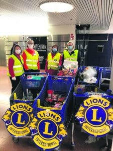 Soihdut oli lauantaina 5.12. Columbuksessa Lions Club Vuosaaren kanssa keräämässä tarvikkeita Auta lasta, auta perhettä -keräykseen. Kerätyt tuotteet luovutettiin Pienperheyhdistykselle toimitettavaksi eteenpäin apua tarvitseville vuosaarelaisille perheille.