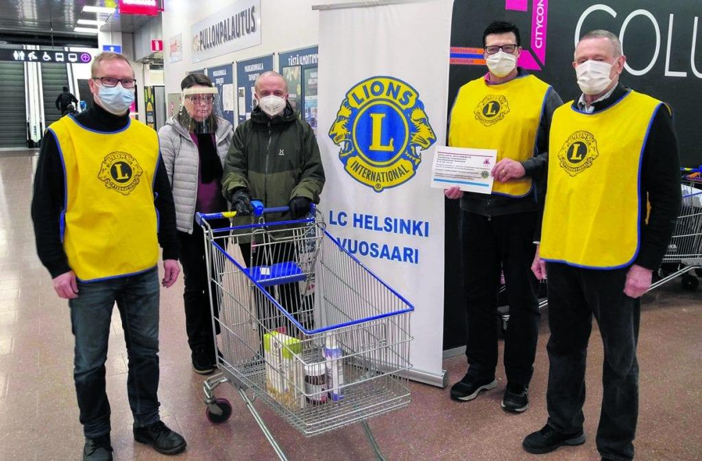 Ensimmäisten lahjoittajien joukossa oli akateemikko Markku Kulmala vaimonsa Marita Kulmalan kanssa.