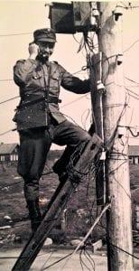 Päätepylväässä vuonna 1942 Syvärillä.