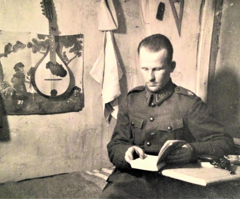 Rintamalla Voznesenjessa jouluna 1941