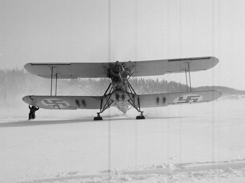 Blackburn Ripon IIF -torpedo- ja tiedustelukone Lahdenpohjassa 17.3.1940. Kuva: SA-kuva