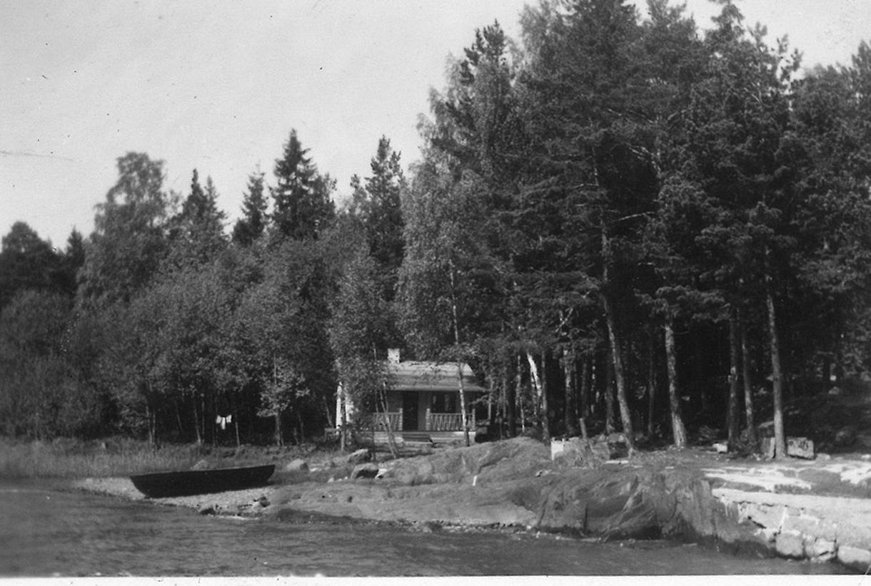 Kortvikin mökki Ramsinniemessä oli pienen perheen asunto 1950-luvun alussa.