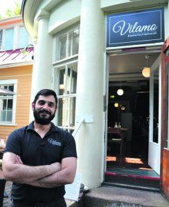 Emrah Yildirim on Aurinkolahden sydämeen avautuneen ravintola Vilamon uusi ravintoloitsija.