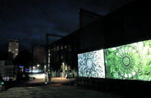 Vuotalon edustalla nähtiin viikonloppuna 24.–26.9. vaikuttava valotaidekokonaisuus. Kahden teoksen niminä olivat Refraction ja Disco Seance. Teokset kuuluivat tanskalaisen Reflektorin valotaidefestivaaleihin, joita järjestettiin Helsingin lisäksi kolmessa muussakin kaupungissa.