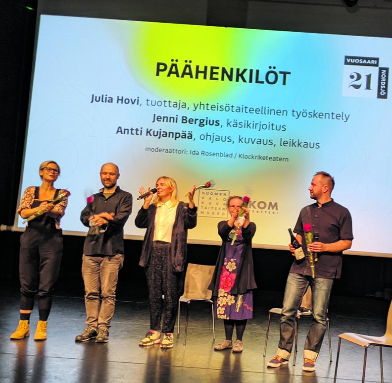Päähenkilöt-elokuvan tekijöitä Vuotalon estradilla. Kuva: Matti Pöhö