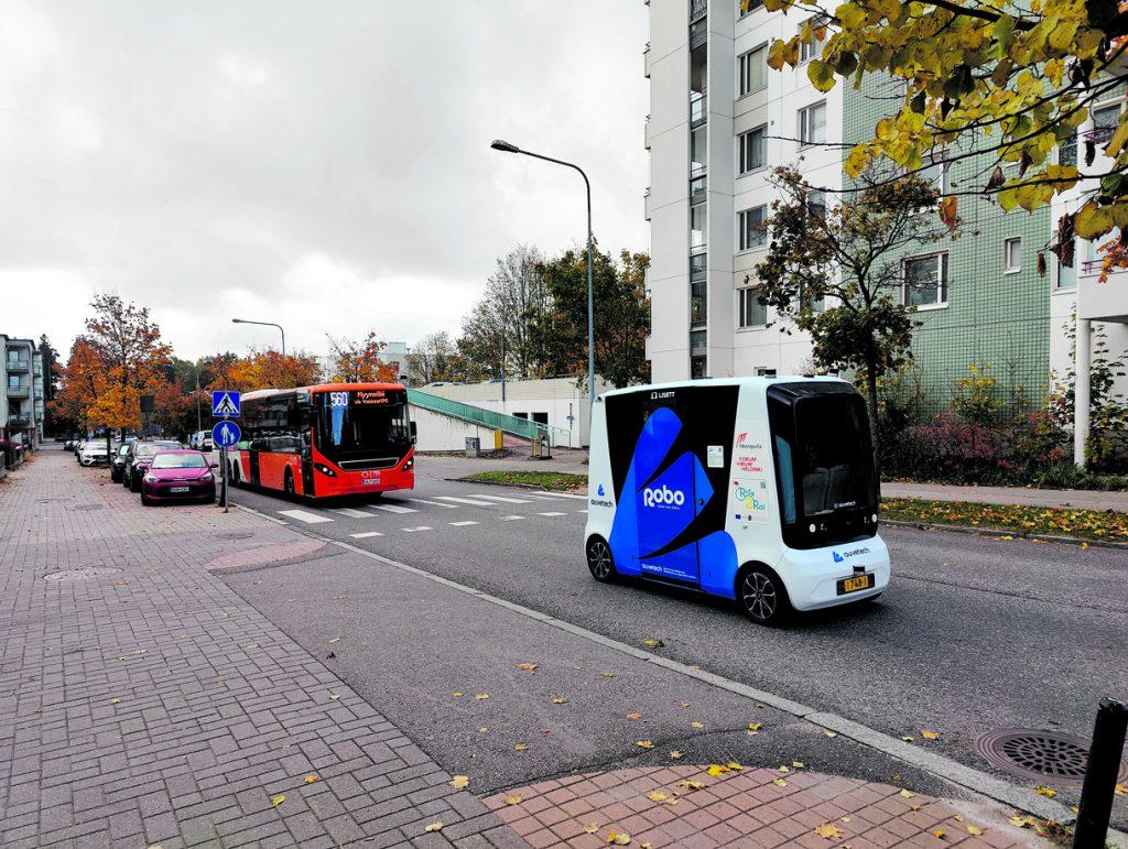 Vuosaari on hyvä paikka kokeilla robottobussia siksikin, että kokeilualue tarjoaa robottibussille ajatellun aidon käyttötapauksen ensimmäisen tai viimeisen kilometrin liikkumiseen asuinalueelta joukkoliikenteen solmukohtaan, kuten metrolle.